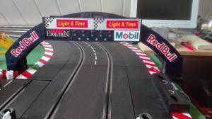 Carrera Rennbogen mit eingebauter Startampel